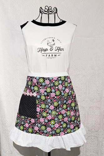 flower_smiles-half-apron