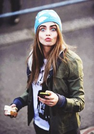 7-hairstyles-that-look-great-with-beanies-1662523.640x0c