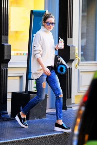 olivia-palermo-wears-these-cool-sneakers-legit-everywhere-1635216-1453843104.640x0c