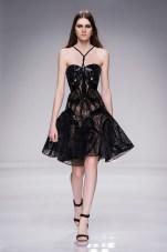 see-rosie-behati-and-gigi-kill-it-in-atelier-versace-1633487-1453746684.640x0c