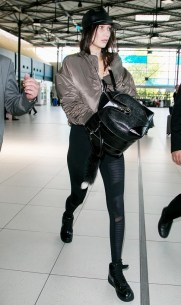 every-celebrity-owns-a-pair-of-leggings-from-this-brand-1805544-1465935330.600x0c