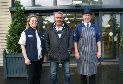 Paul Hollywood pops in for some Hopetoun wild game!