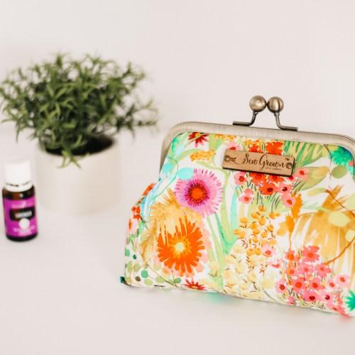 The Oils I Always Keep on Hand + My Handmade EO Case