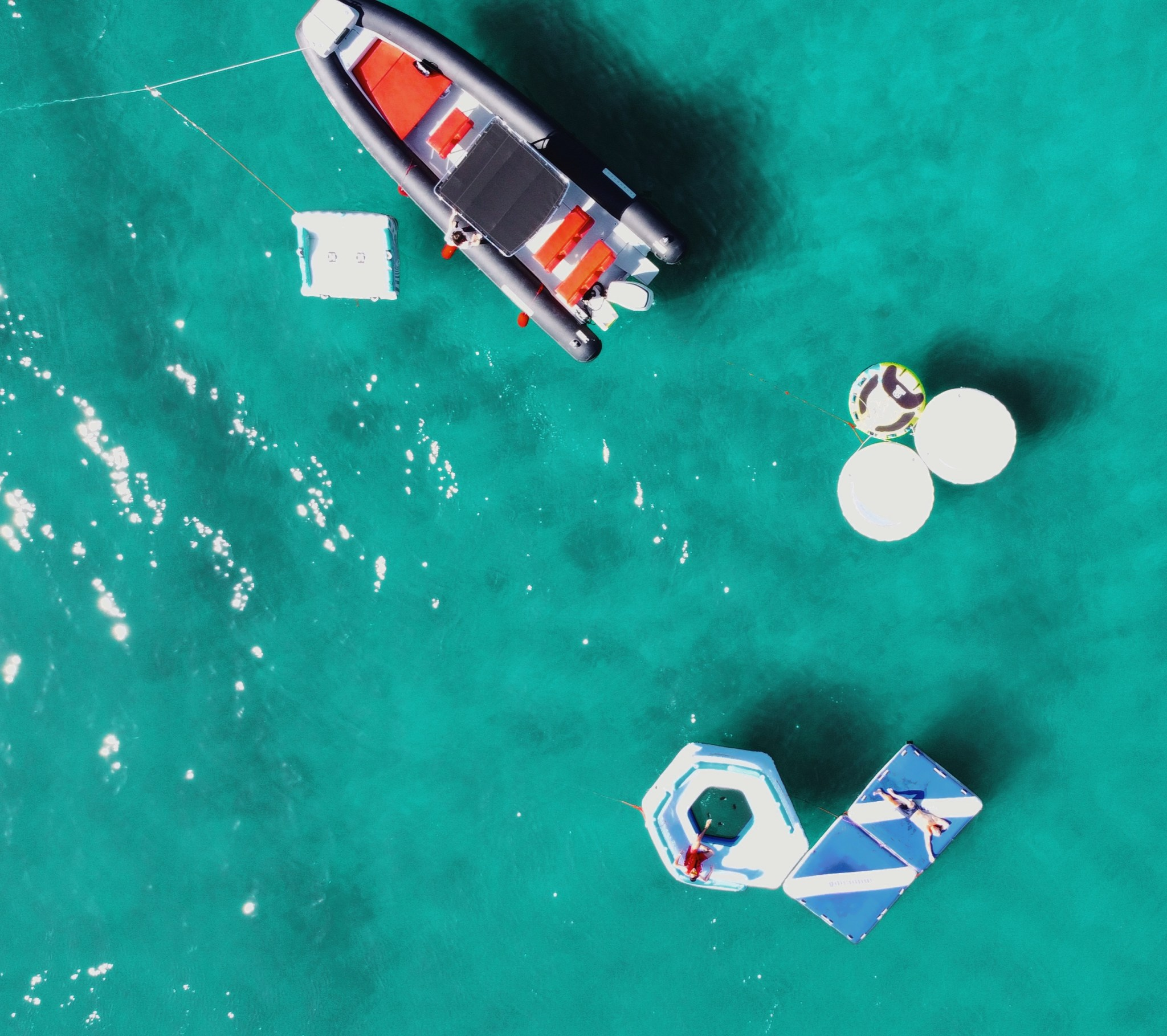 HopHop Boat Floating Island