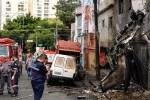 Avião cai em São Paulo, dois morre e dose ficam feridos