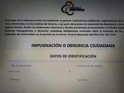 La denuncia se la remite llenando un formulario en línea.