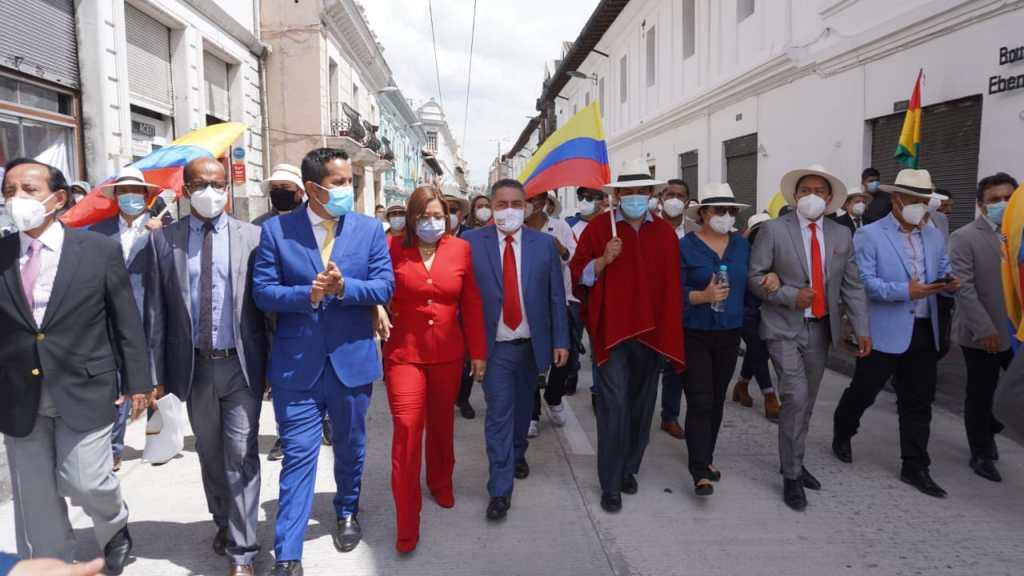 Los burgomaestres realizaron una marcha hasta el Palacio de Carondelet.