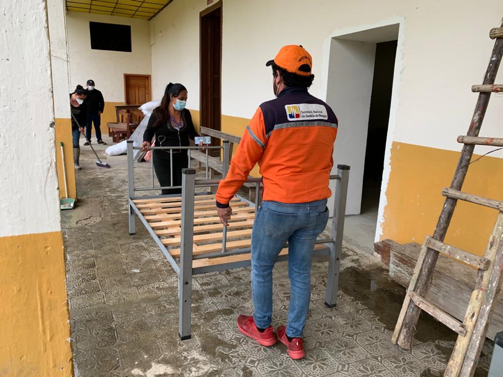 Dos familias fueron evacuadas hacia las instalaciones del convento parroquial.
