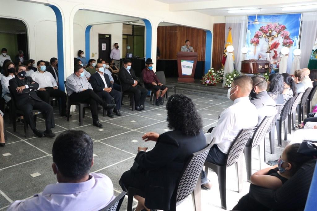 En el Salón del Pueblo del Municipio se rindió el tributo póstumo al exalcalde.