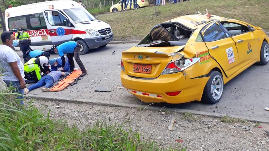 La mujer, que iba en el taxi, quedó inconsciente.