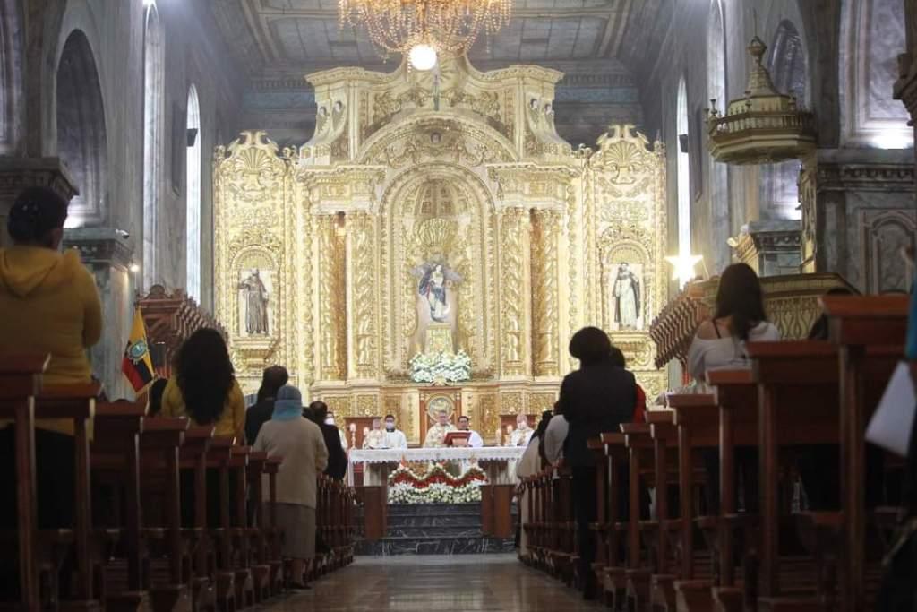Las celebraciones en la Catedral se realizan cumpliendo las medidas de bioseguridad.