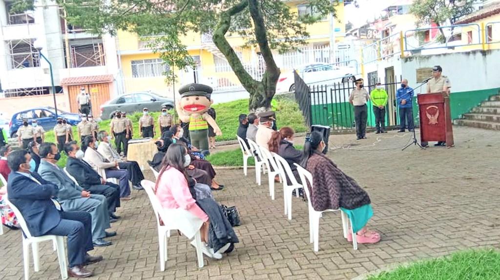 El evento se realizó a las 07:30 del último miércoles.