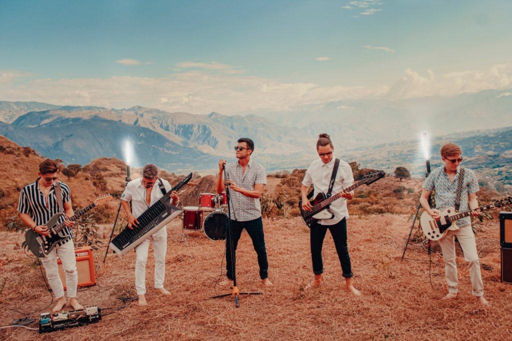 El Efecto Doppler está integrado por jóvenes músicos.