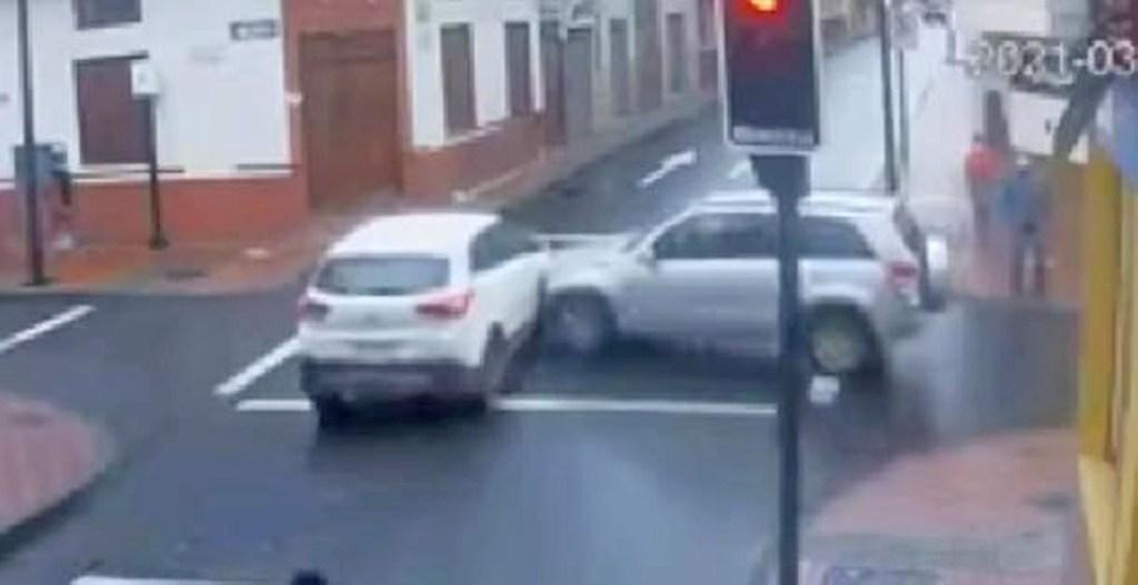 La ligereza de uno de los conductores sería el motivo que originó el accidente.