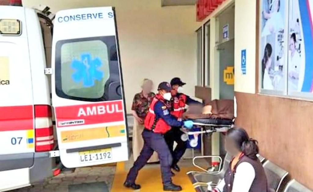 El extranjero fue llevado a una casa de salud.