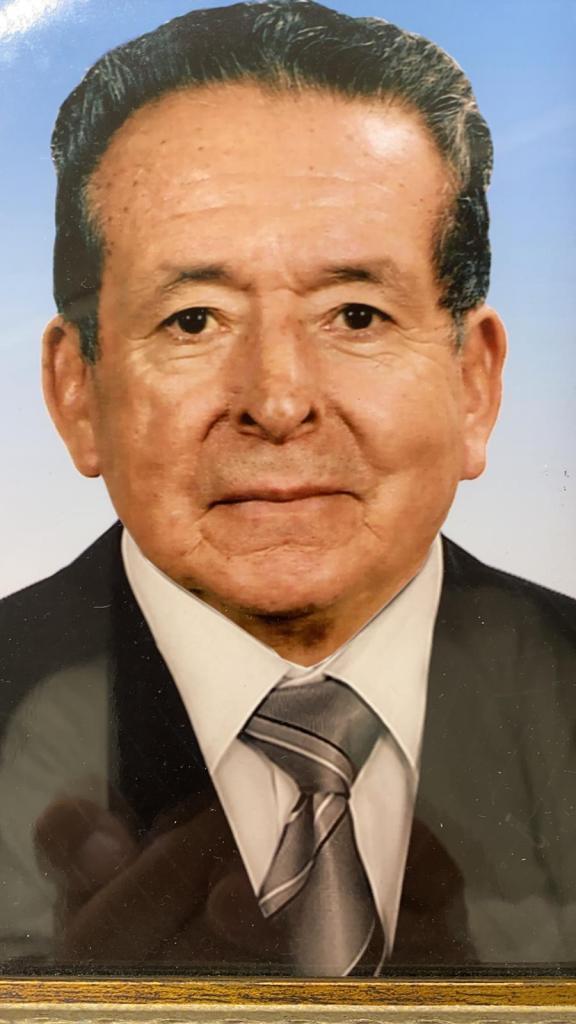 Firmo Ecuador Espinosa Sigcho fue, entre varios oficios, educador, historiador, periodista, escritor.