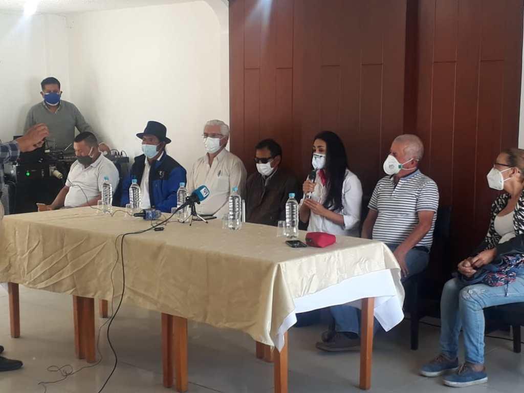 A la reunión se dieron cita diversos sectores ciudadanos.
