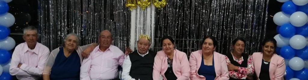 José Manuel Medina, junto a sus hijos, cuando cumplió 100 años.