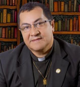 Alcívar Chávez Manzanilla, rector de la Unidad Educativa.