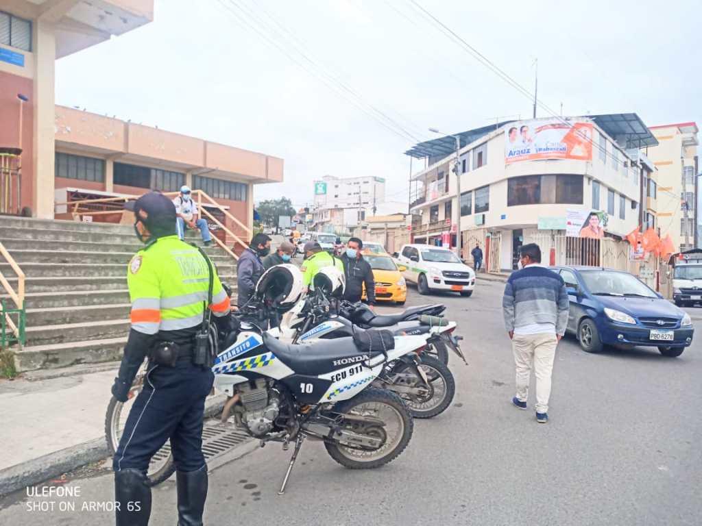 El revés fue a la altura del mercado del barrio La Tebaida.