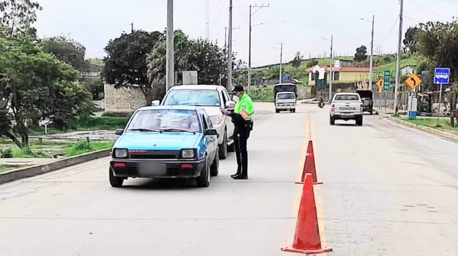 Los controles de la UCOT se ejecutan en todas las vías de la localidad.