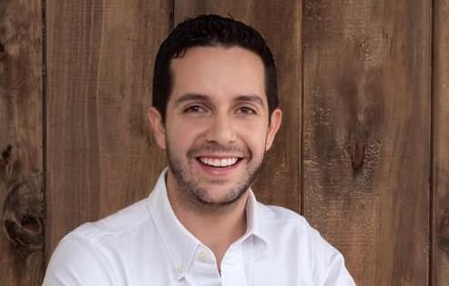 Andrés Hidalgo Eguiguren estudió Medicina en la UTPL.