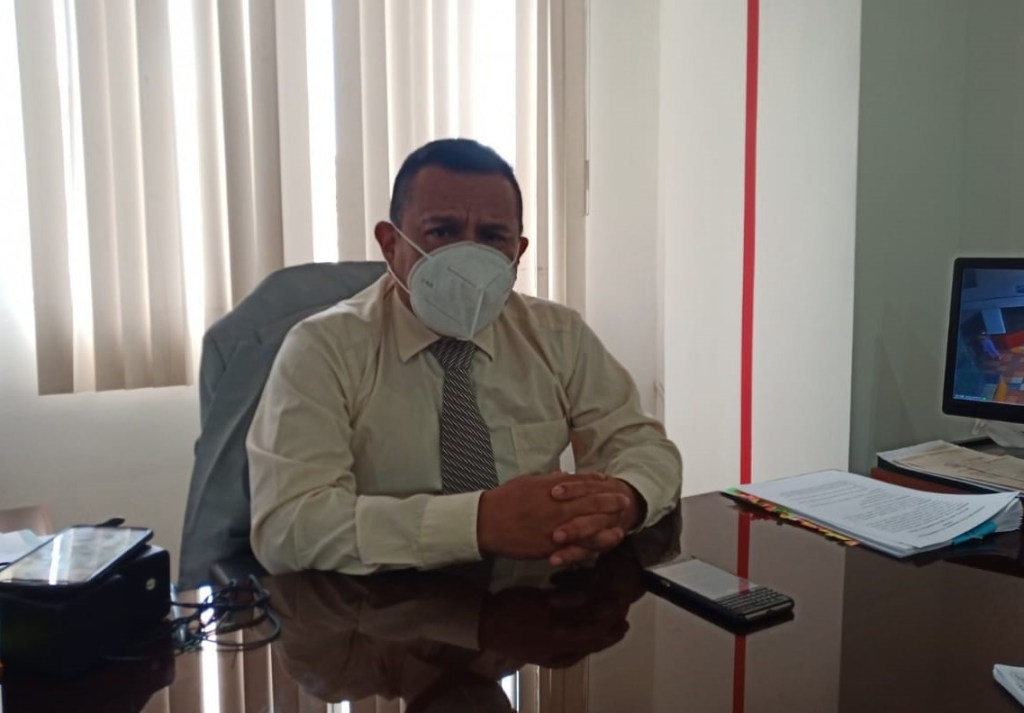 """El exdirector del Cuerpo de Bomberos de Loja manifiesta que el edil Erráez le tiene odio y que es """"hasta sectarista y racista por la manera como se dirige a mí por el apellido…""""."""