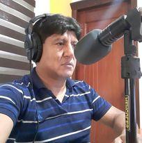 Eduardo Valdivieso es el director y conductor del informativo del mediodía de Radio Boquerón 93.7 FM.