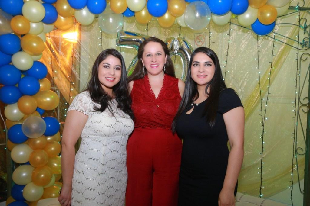 Katy Arias, Ana Samaniego y Naty Arias.