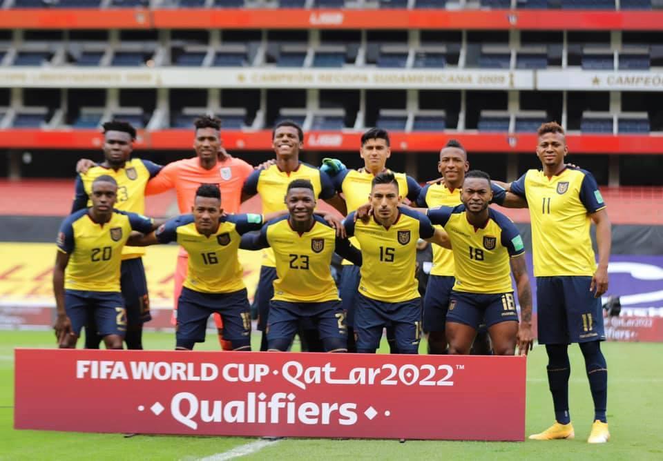 El equipo ecuatoriano fue presa de la desesperación, por lo que, dejó espacios en la defensa.