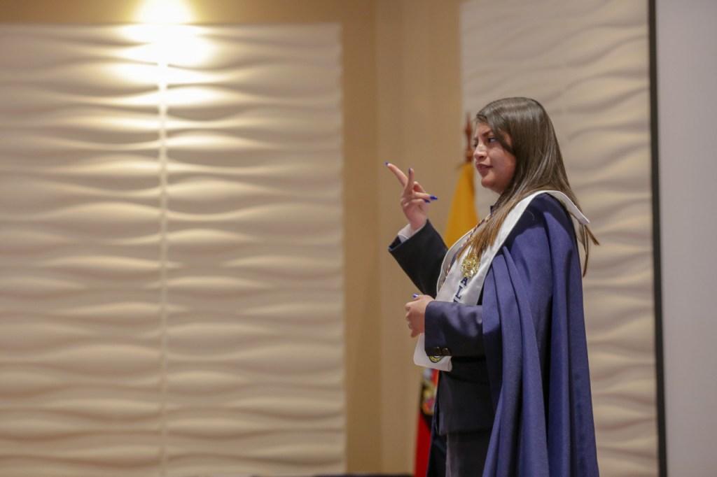 Se está sugiriendo que se puedan hacer las ceremonias en espacios abiertos.
