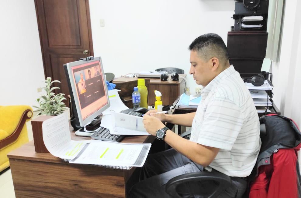 En la audiencia virtual intervino Luis Morocho Romero, asesor jurídico de la Policía de Loja.