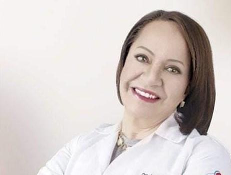 Isabel Cueva Ortega tiene una experiencia profesional de más de 30 años.