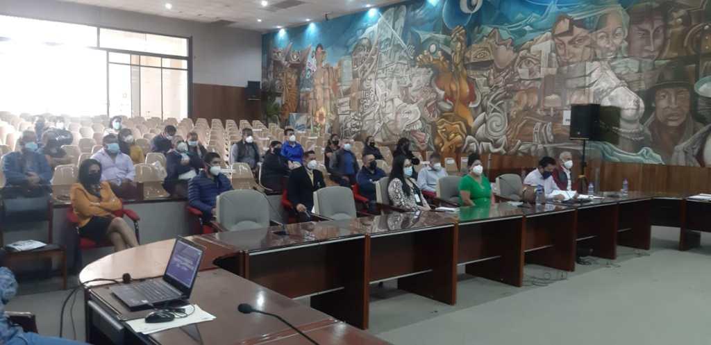 El lunes anterior, autoridades municipales y moradores de San Cayetano Bajo se reunieron para hablar del tema.