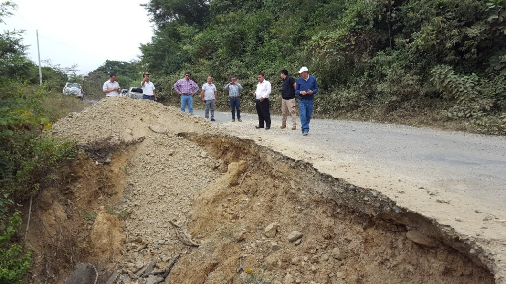 La vía se encuentra en malas condiciones para el tránsito y ello hace que se demore un hora y media de Saucillo a Macará.