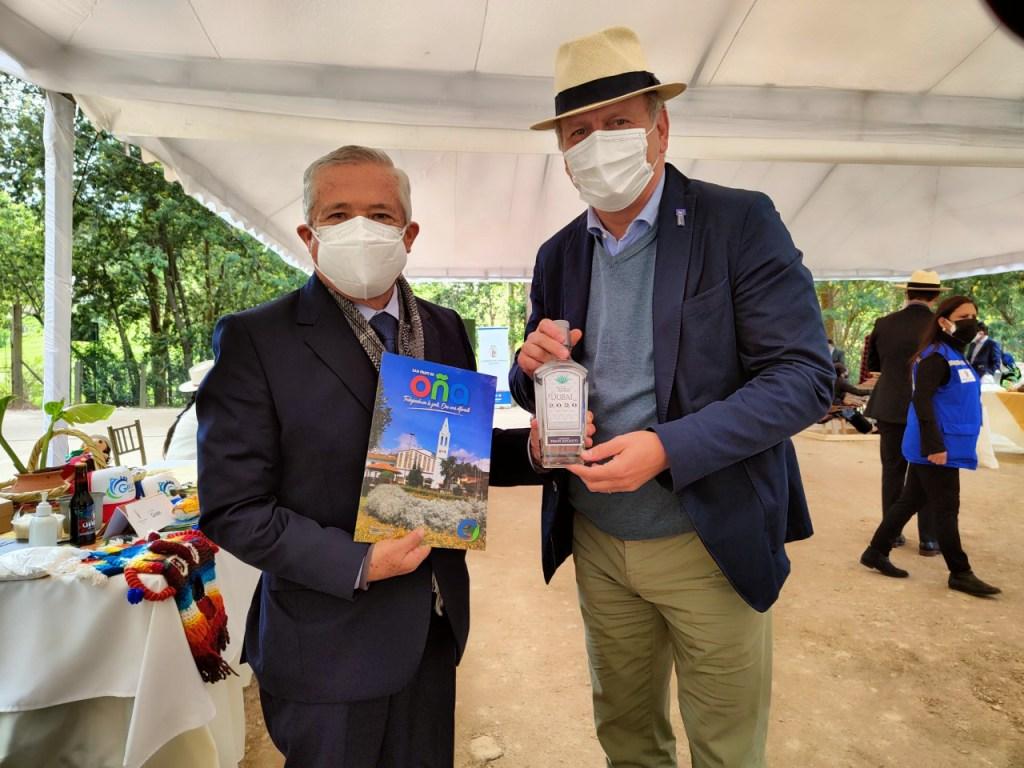 Embajadores de otros países participaron del evento.