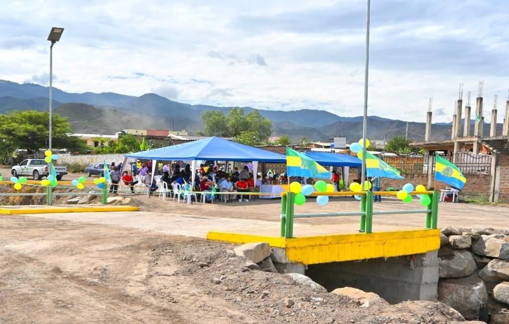 La obra fue construida por administración directa y su costo es de 18.756 dólares.
