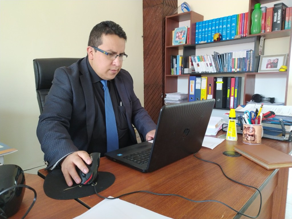 Cristian Alverca Ordóñez patrocinó a la médica general.