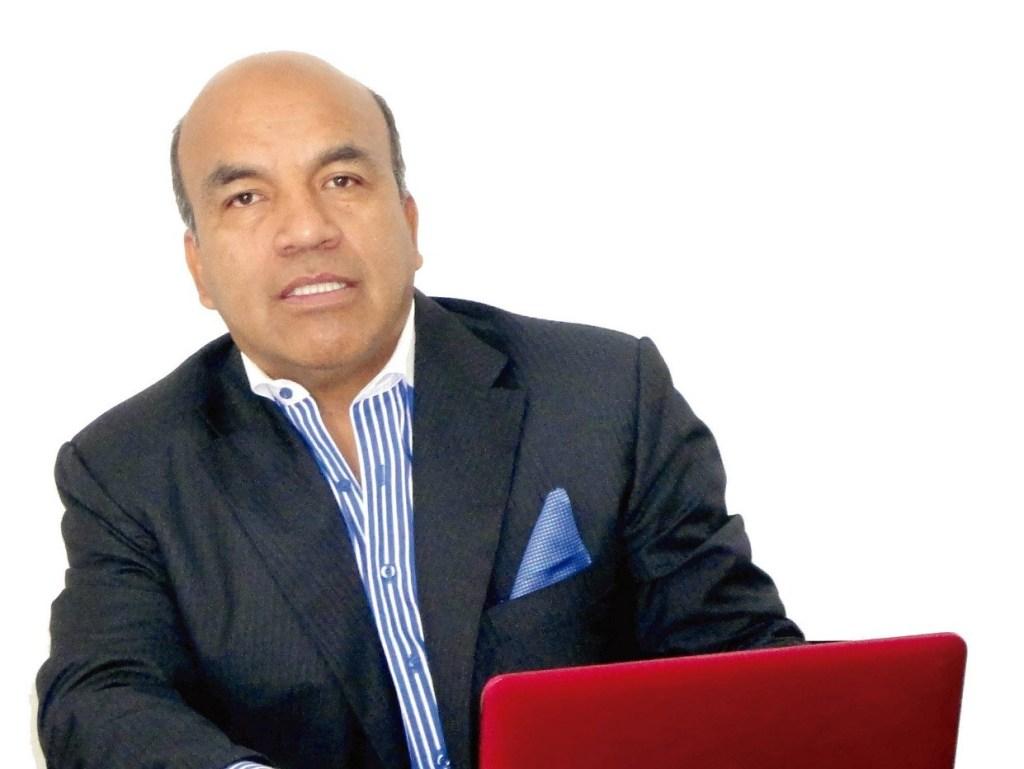 Víctor González es asesor en marketing y también cuenta con una maestría en Administración de Empresas.