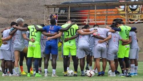Los equipos viajaron para cumplir sus cotejos en la capital de los ecuatorianos.