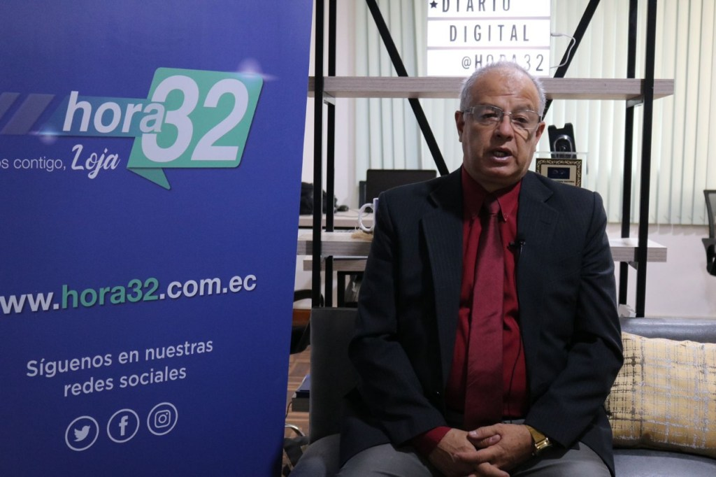 Arturo Cabrera, presidente del TCE, durante su entrevista con HORA32.