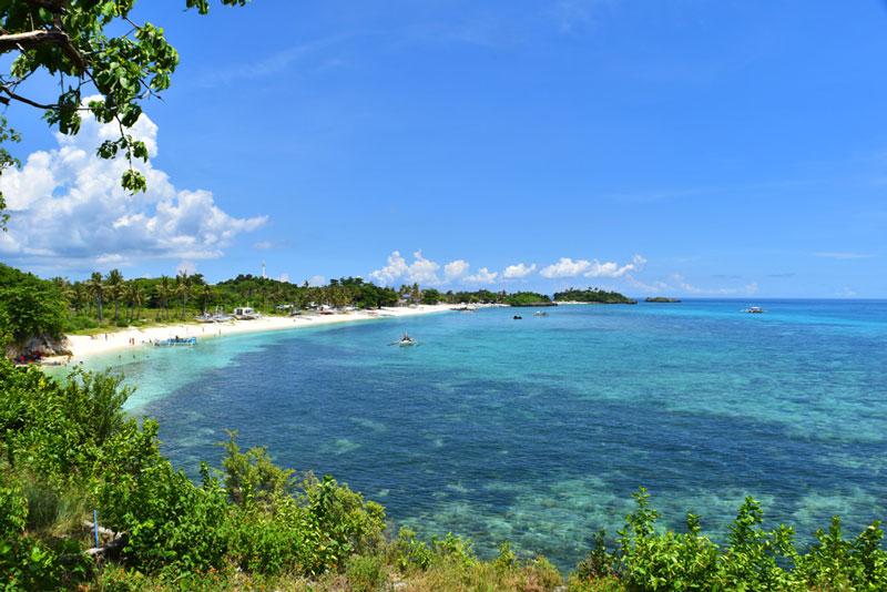 Playa de la Isla de Mala Pascua en Filipinas