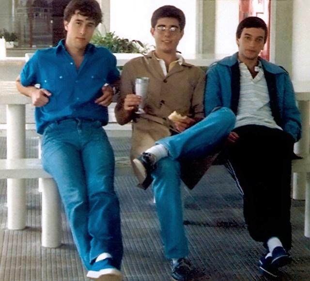 Guilherme, Carlos e José Roberto durante um evento no último ano da faculdade