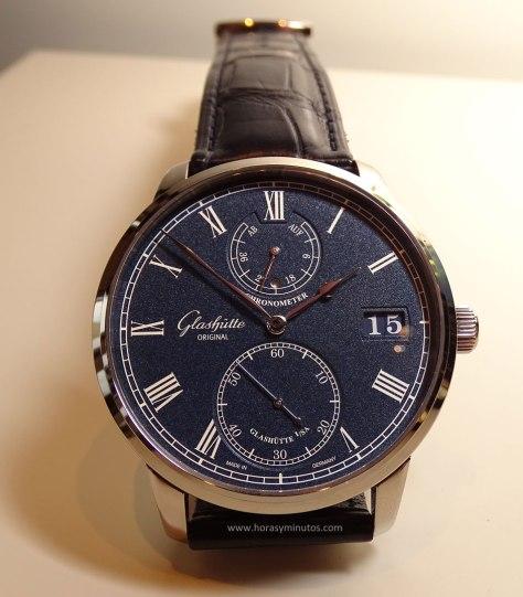 Baselworld-2016-Glashutte-Original-Senator-Chronometer-Azul-Frontal-1-Horas-y-Minutos