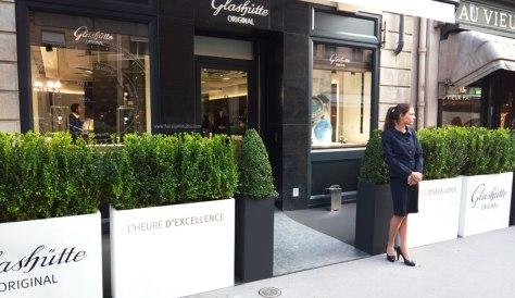 Entrada de la nueva boutique de París