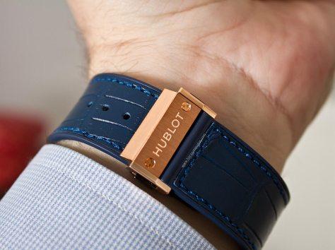 hublot-classic-fusion-blue-king-gold-9-horasyminutos