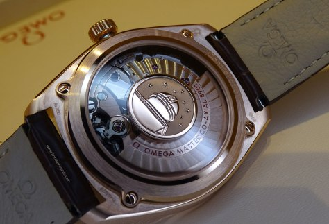 Calibre del Globebaster Master Chronometer, en oro Sedna