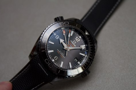 Omega-Seamaster-Planet-Ocean-Deep-Black-19-Horasyminutos