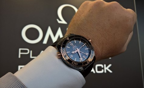 Omega-Seamaster-Planet-Ocean-Deep-Black-25-Horasyminutos