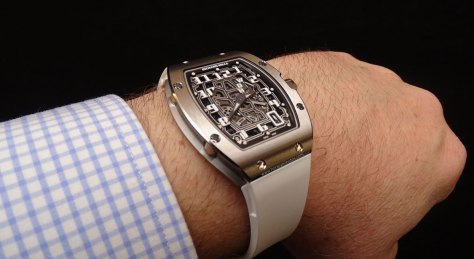 Richard-Mille-RM-67-01-Automatic-Extra-Flat-perfil-horas-y-minutos
